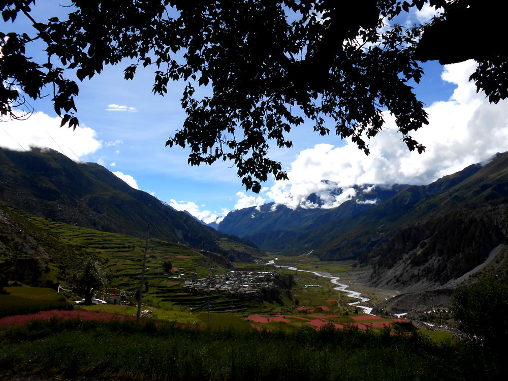 annapurna circuit in may