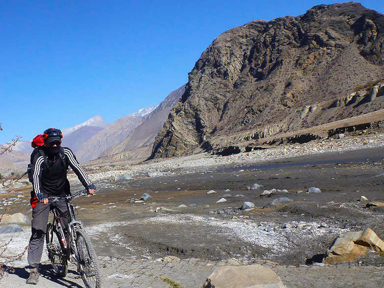 biking-in-nepal