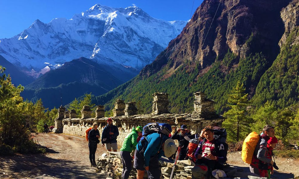 trekking in nepal best time of the year