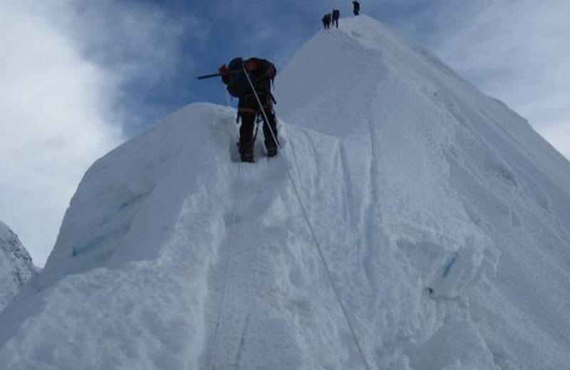 Island Peak (Imja Tse) Climbing